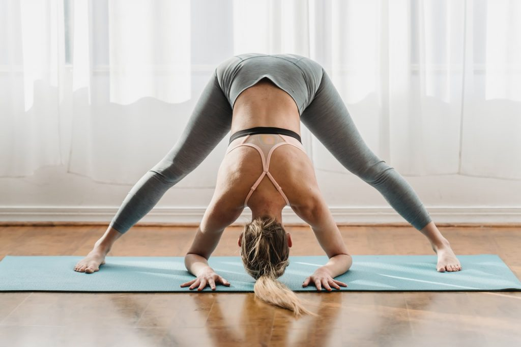 woman doing mobility exercises