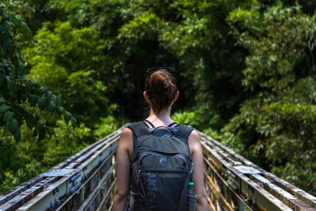 what-to-pack-southeast-asia-woman-backpacker-packing-tips